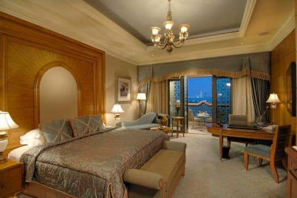 abu-dhabi_emirates-palace_coral-room
