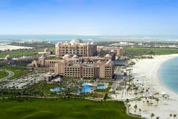 abu_dhabi_emirates_palace_aussenansicht_luftbild_anlage_meer