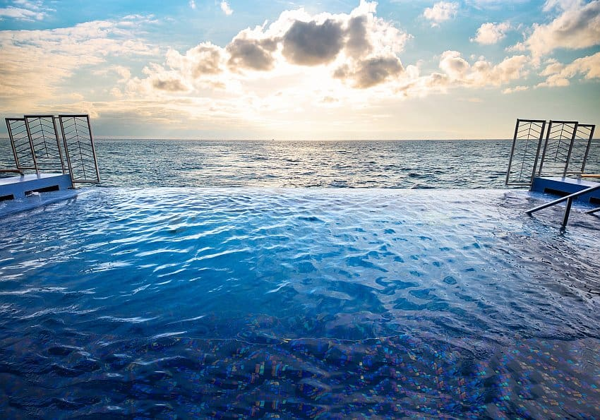Exp Infinity Pool