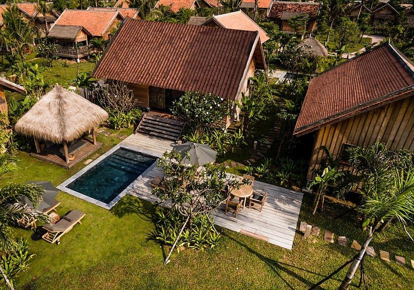 Phum Baitang Pool