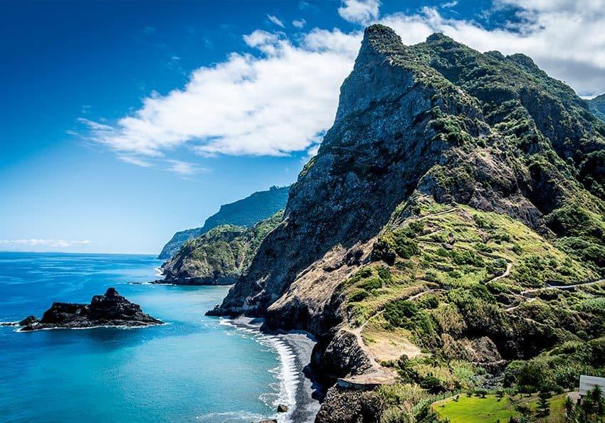 Madeira Felsenkueste