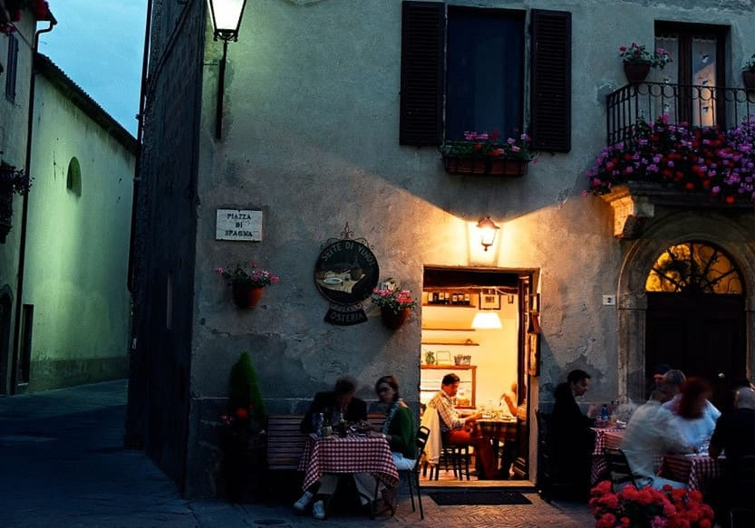 Abends in den Gassen von Pienza