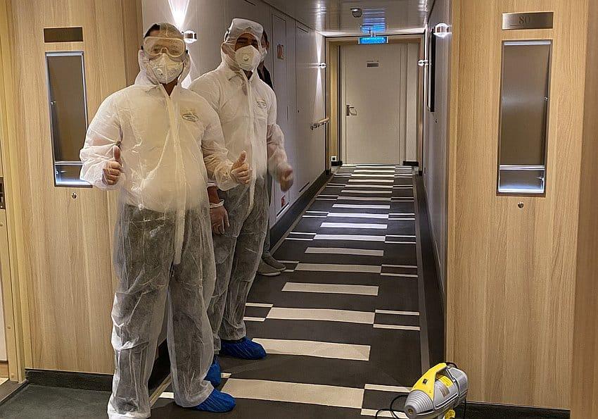 Reinigungspersonal der EUROPA 2