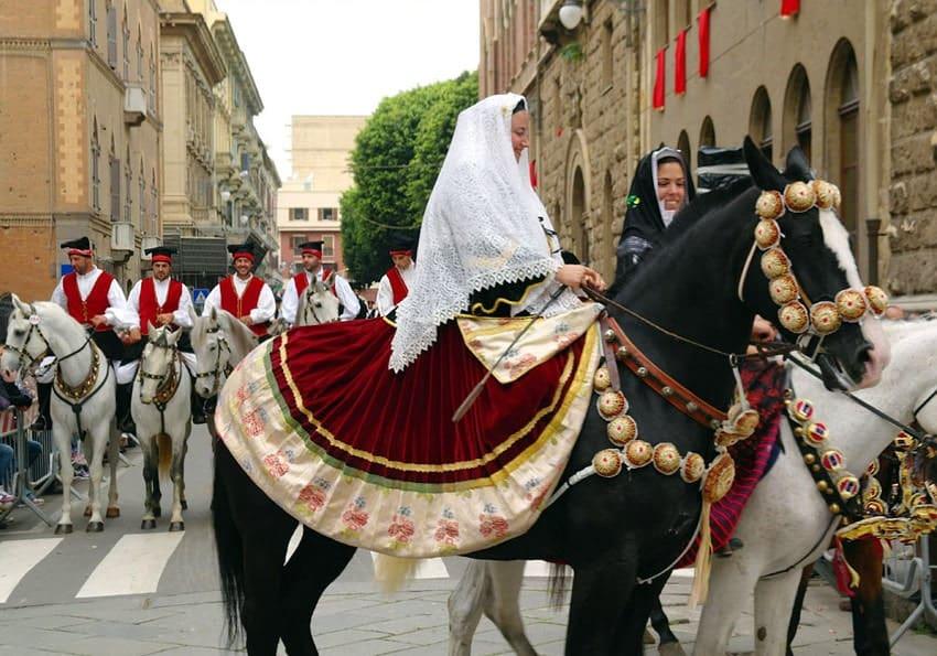 St. Ephysius Umzug mit Pferden