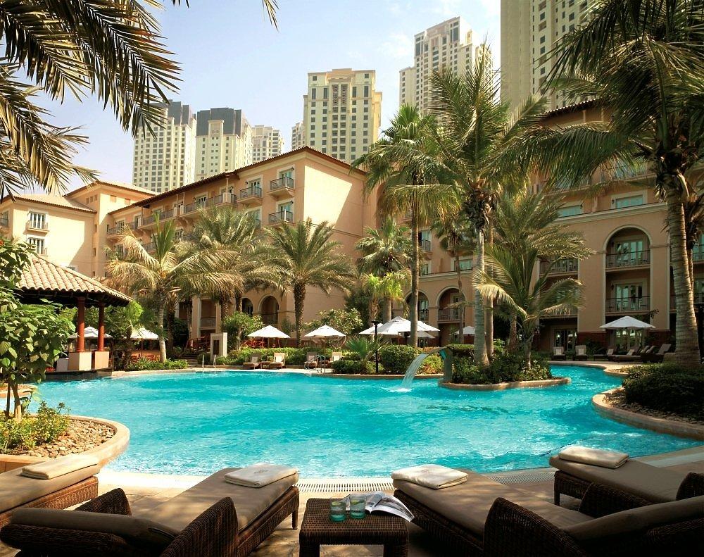 Fairmont Hotel Dubai Restaurants