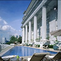 The Fullerton Hotel - Swimming Pool