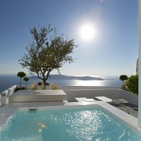 Deluxe Room Plunge Pool - Grace Santorini