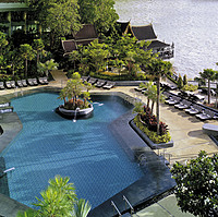 Shangri-La Hotel Bangkok - Swimming Pool