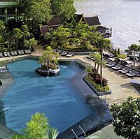 Shangri-La Hotel Bangkok - Swimming Pool