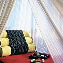 Anantara Golden Triangle - Balkon mit Tagesbett