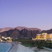 Außenansicht - Al Bustan Palace, A Ritz-Carlton Hotel