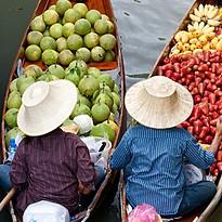 Schwimmender Markt - Authentisches Thailand