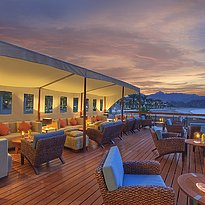Beach Bar - Al Bustan Palace, A Ritz-Carlton Hotel