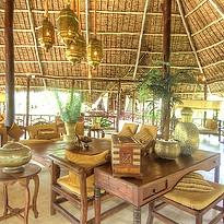 Beachfront Lounge - Breezes Beach Club & Spa