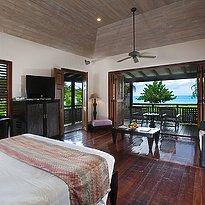 Beachfront Suite - Hermitage Bay