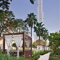 Cabanas mit Burj Khalifa im Hintergrund