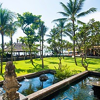 Gartenanlage - The Legian Seminyak, Bali