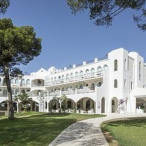 Haupthaus - Falkensteiner Resort Capo Boi