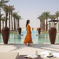 Hauptpool - Al Wathba Desert Resort & Spa