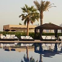 Hauptpool - The St. Regis Doha