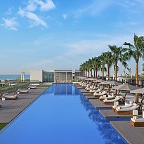Hauptpool des The Oberoi Beach Resort, Al Zorah