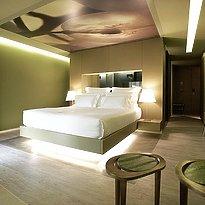 the vine - a divine hotel