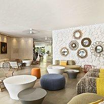 Lobby - La Pirogue