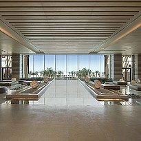 Lobby des Saadiyat Rotana Resort & Villas