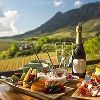 Luxury Vineyard View Suite - Delaire Graff Lodges & Spa