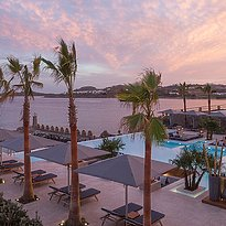 Oasis Pool Lounge - Santa Marina, A Luxury Collection Resort