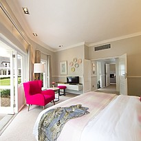 Pinotage Suite - Mont Rochelle