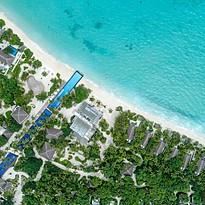 Pool aus der Vogelperspektive - Fairmont Maldives Sirru Fen Fushi