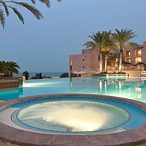 Pool und Jacuzzi - Shangri-La Al Husn Resort & Spa