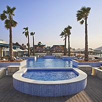 Q Lounge Pool - Banana Island Resort by Anantara