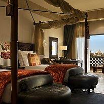 Deluxe Sea View Twin - Sharq Village & Spa, A Ritz-Carlton Hotel