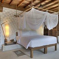 Six Senses Ninh Van Bay - Beachfront Pool Villa Badezimmer Schlafzimmer