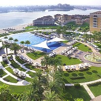 Beach und Pool - The Ritz-Carlton Abu Dhabi, Grand Canal