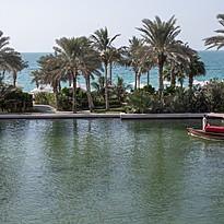 Wasserwege vor dem Hotel - Jumeirah Mina A'Salam