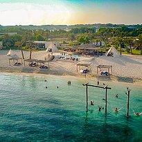 Strand des Smokin Pineapple - Zaya Nurai Island