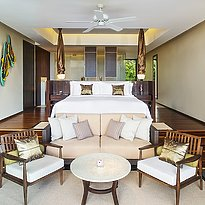 Vana Belle, A Luxury Collection Resort - Classic Pool Suite Schlafzimmer