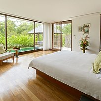 The Sarojin - Pool Residence - Schlafzimmer