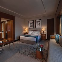 Deluxe Room - Jumeirah Emirates Towers