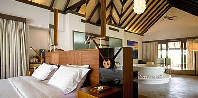Coco Bodu Hithi - Island Villa