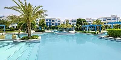 Hauptpool - Hilton Salwa Beach Resort
