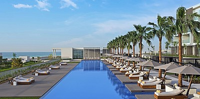 Hauptpool des The Oberoi Beach Resort, Al Zorah