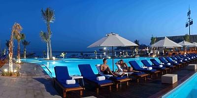 Pool - Radisson Blu Sharjah