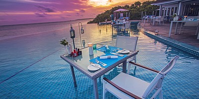 Sunset Pool Bar - Hideaway Beach Resort & Spa