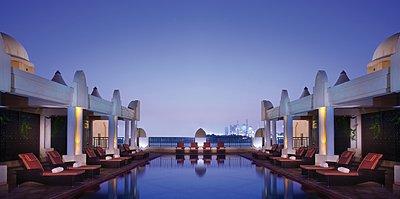 Lap Pool Shangri-La Hotel, Qaryat Al Beri