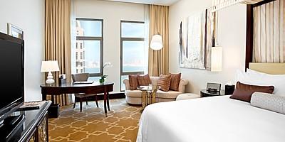 Grand Deluxe Sea View Room - The St. Regis Doha