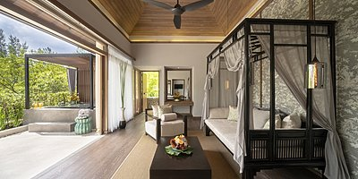Jacuzzi Pool Suite - The Sarojin